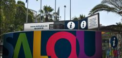 The tourist offices of Salou renew their image